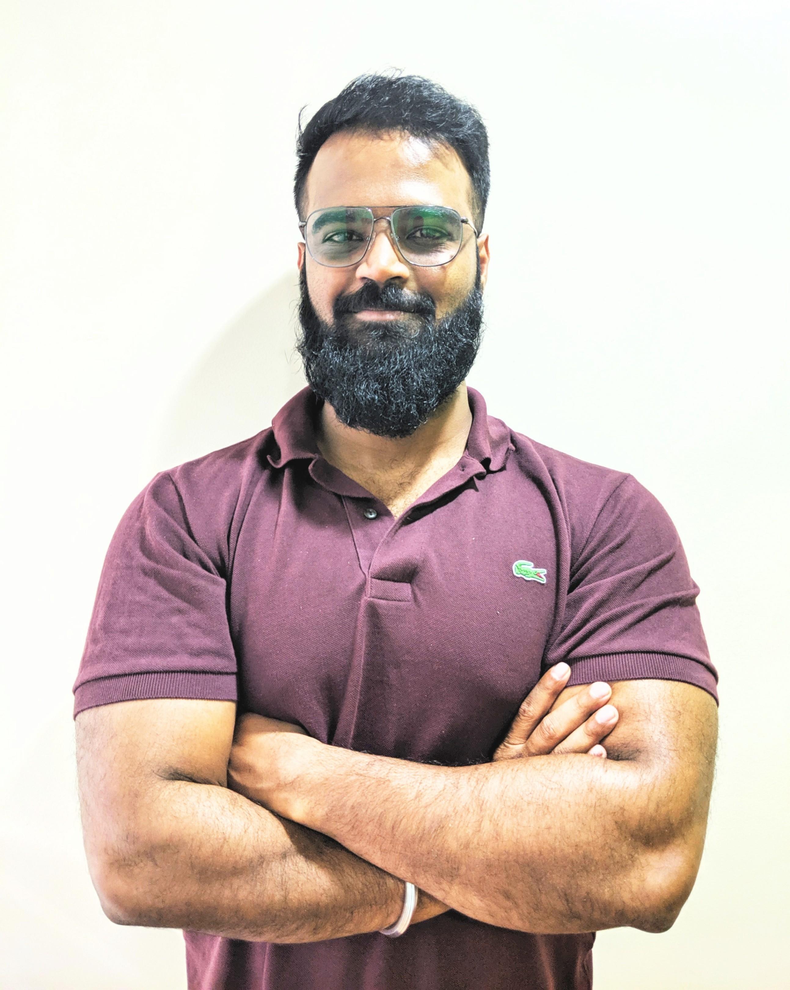 Dr Aniket Jadhav