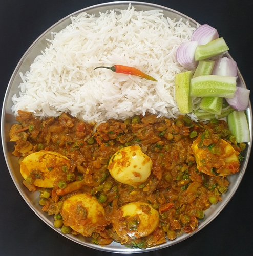 Egg Curry with Mushroom & Peas and Rice