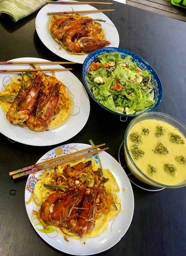 phad thai prawns