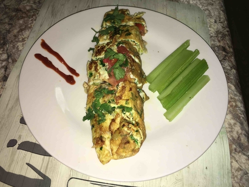 Egg Spinach Roll with Mushroom and Tomatoes