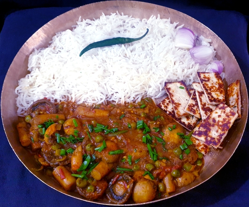Mushroom Matar,Paneer Crisps with Steamee Rice