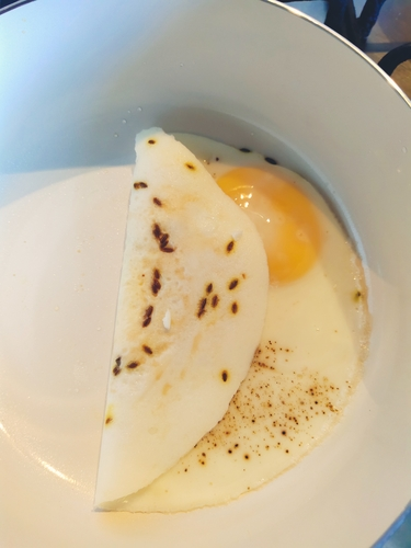 No-oil Sunny Side up (Eggs)