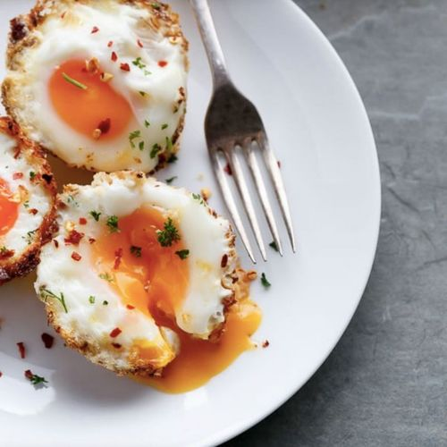 Hash Brown Egg Cups ( Low Carb + Gluten Free)
