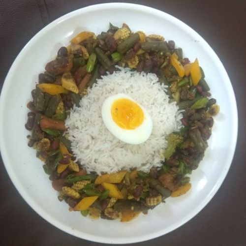 Quick Lunch: Sauted Veggies Rice Egg combo