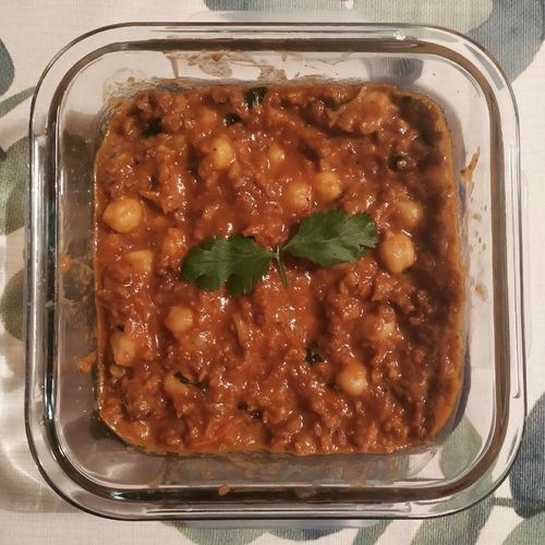 Chickpea curry with minced soya