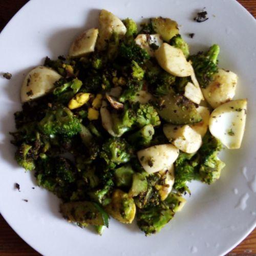 Egg with broccoli... N avaco