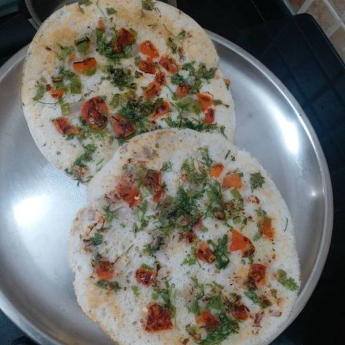 Vegetable Uttapam