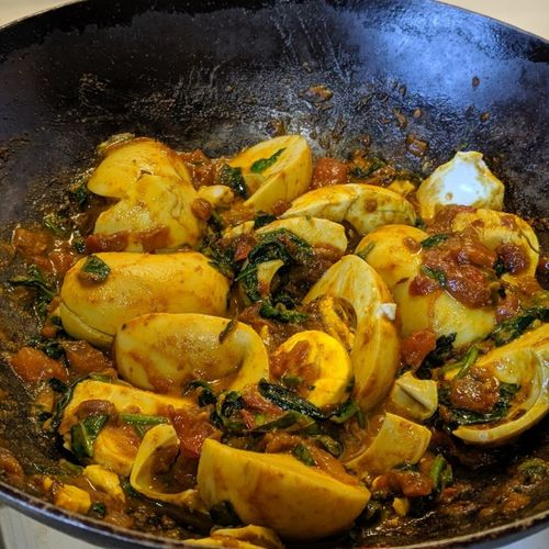 Boiled Egg and Spinach sabzi  (for two people)