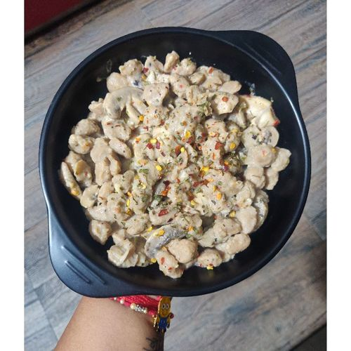 Soyabean & Mushroom in Alfredo sauce