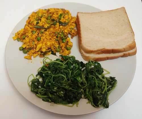 Spinach, Paneer with Bread