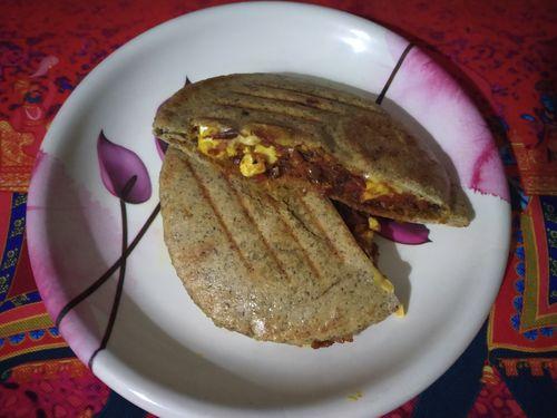 whole wheat pita sandwich