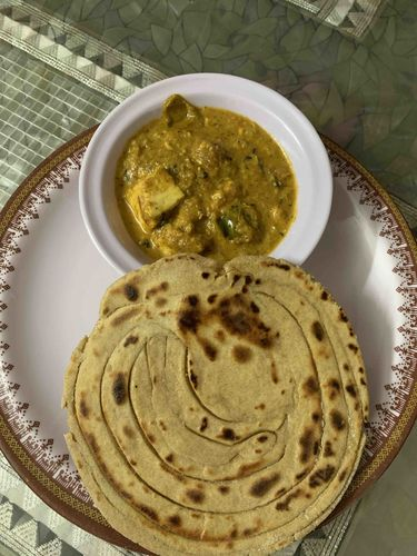 kadai paneer and soua wheat lachha paratha