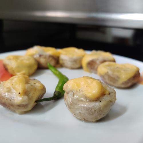 cheese lava stuffed mushroom
