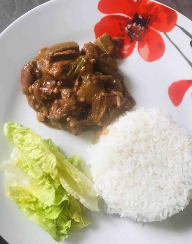 Puli Kuzhambu (Tangy curry)