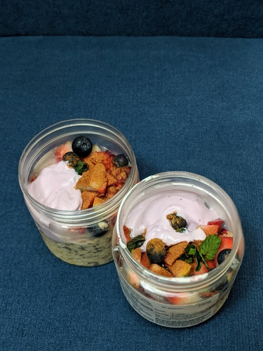 Berry Rich Overnight Oats