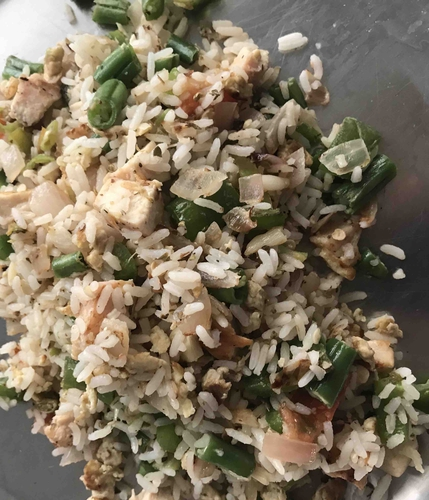 Herbed rice with chicken and veggies