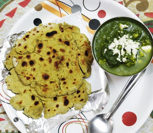 Soya roti with Palak paneer