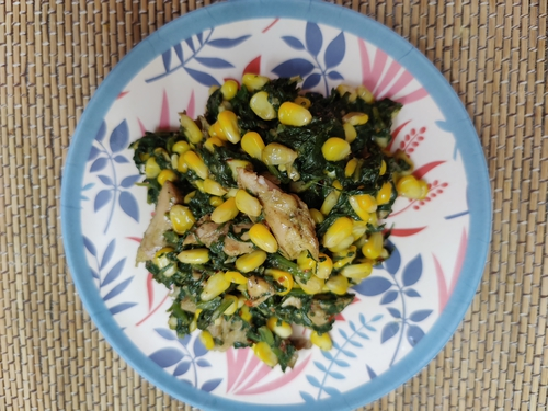 Tossed Spinach corn and chicken
