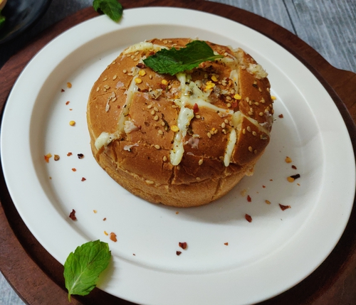 Cheesey Baked Bun
