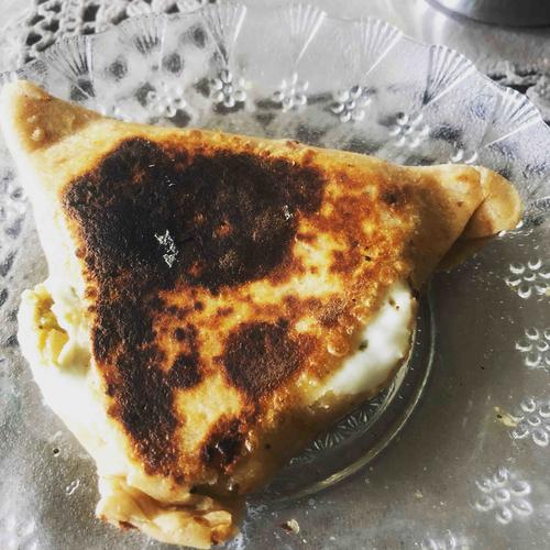 cheesy pizza pocket