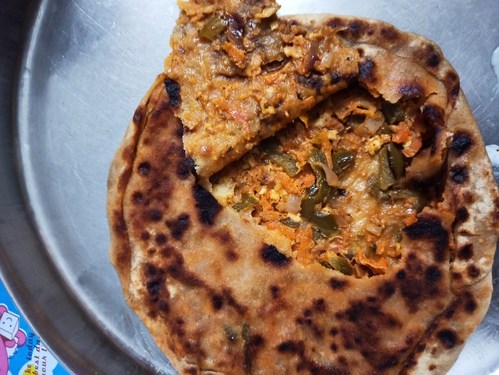 stuffed pizza paratha