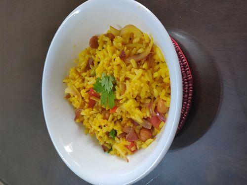 Uggani (Puffed rice upma)