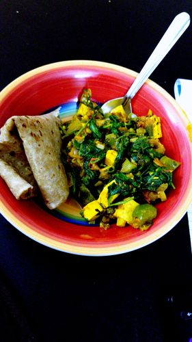 Quick Palak Paneer (no need to puree the spinach)