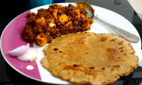 🌶 Dry Peas Paneer Masala with Soya Wheat Chapati 🌶