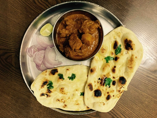 Naan with Chicken curry (Weekend Special)