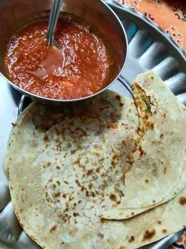 Gajar Mooli ka Paratha with Tomato Chutney