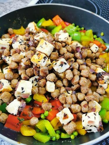 Soya Chunks with Paneer and Veggies
