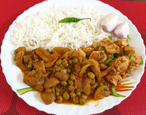 Mushroom Matar,Piri Piri Chicken with Steamed Rice