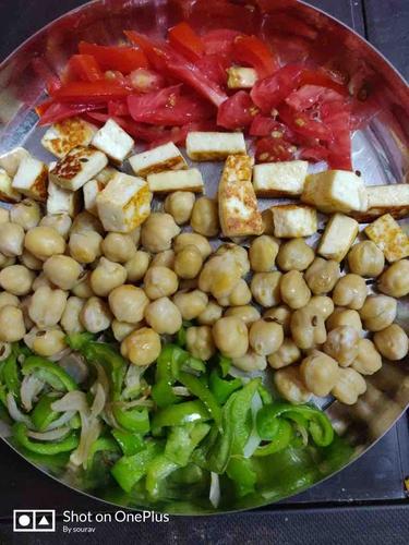 Chickpeas Roasted Paneer capsicum salad