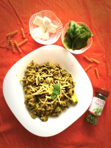 Spinach Basil Paneer Pasta.