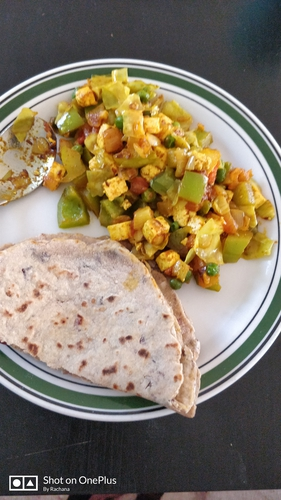 Soya rajma chapati and paneer mix veg
