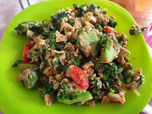 Scrambled Eggs with Kale and Broccoli