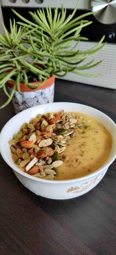 Fruit and nut protein smoothie bowl
