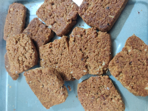 nut and date protein cookies