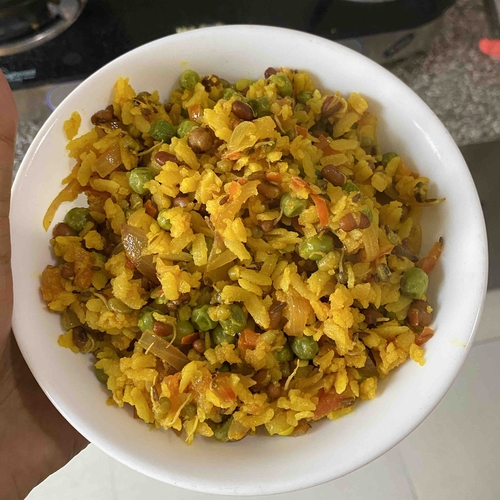 Sprouts and green peas Poha