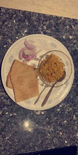 Paneer Bhurji With Brown Bread