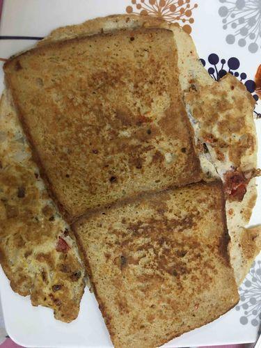 Street style bread omelette