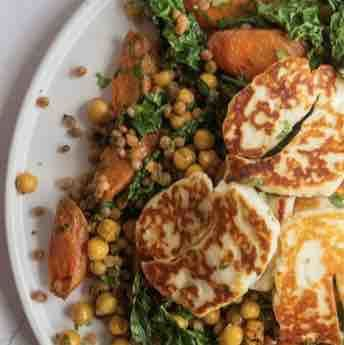 Halloumi cheese fry with lentil and chickpeas