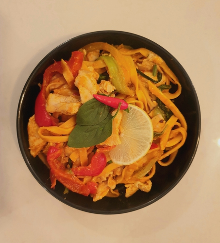 Thai chicken pad noodles