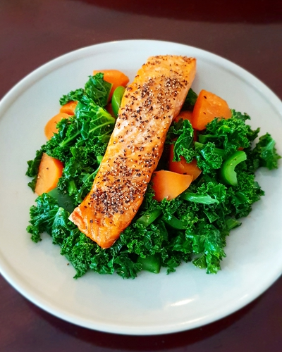 air fryer salmon with kale