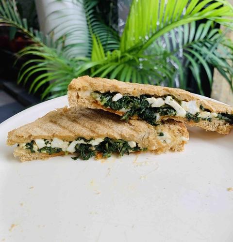 Spinach Cheese Sandwich