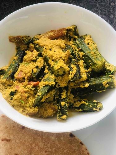 Bhindi posto( bhindi with poppy seeds paste)