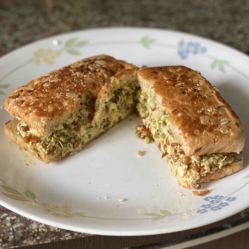 Sprouts and Paneer Sandwich