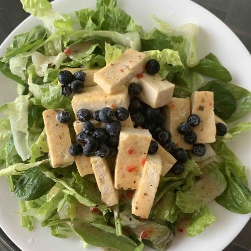 Green salad with Tofu