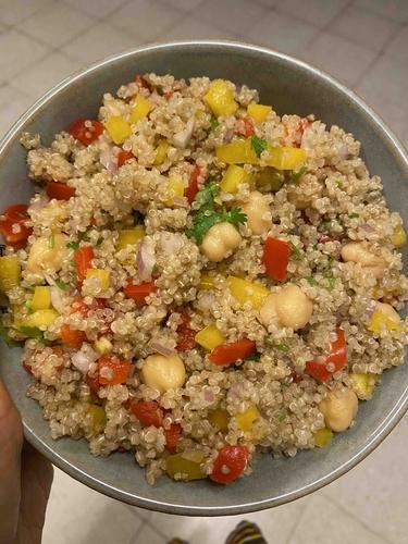 Quinoa & Chickpeas Salad