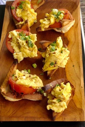 scrambled eggs in a basket